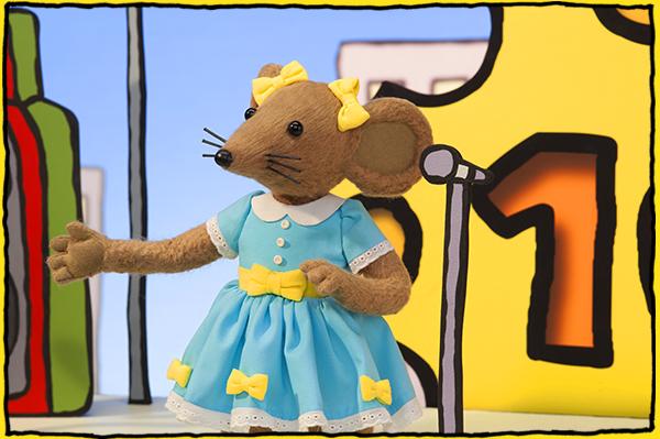 Goldievox Sings Mouseland National Anthem